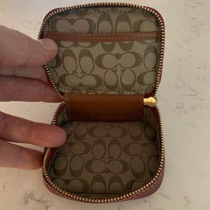 Coach small leather change purse - like new!